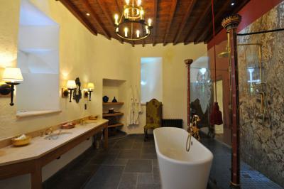 Thornbury castle thornbury wedding venues for Design hotel 1690