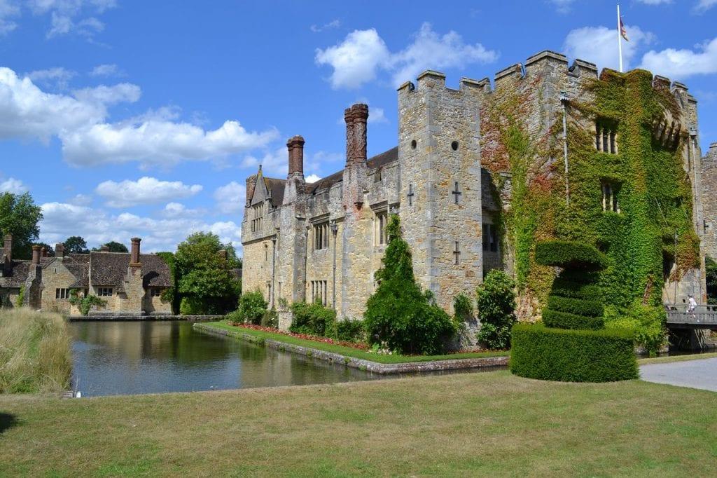 Hever Castle wedding venue kent castle and grounds