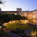 La Villa Hotel 3955a.jpg 1