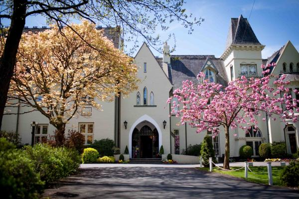 Kemeys Manor Restaurant Reviews