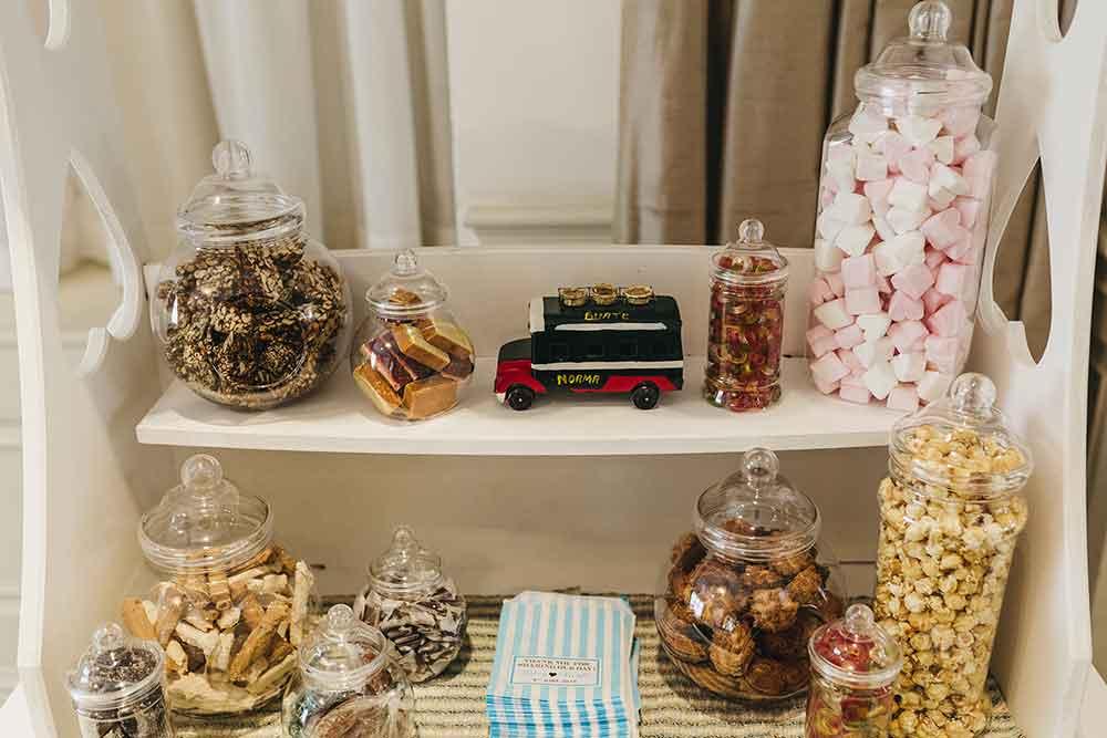 wedding ideas dessert trolley