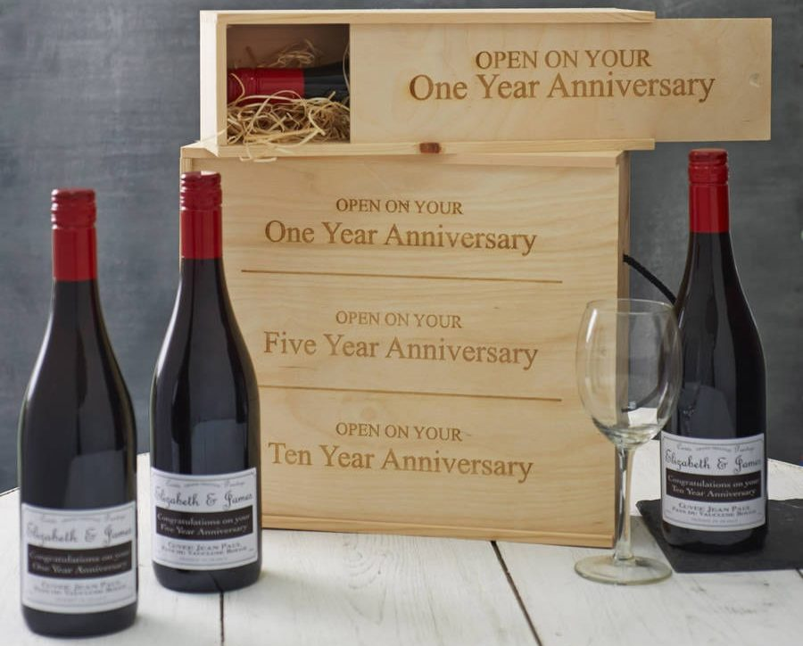 Amazing Wedding Gifts For The Bride and Groom wine box 3