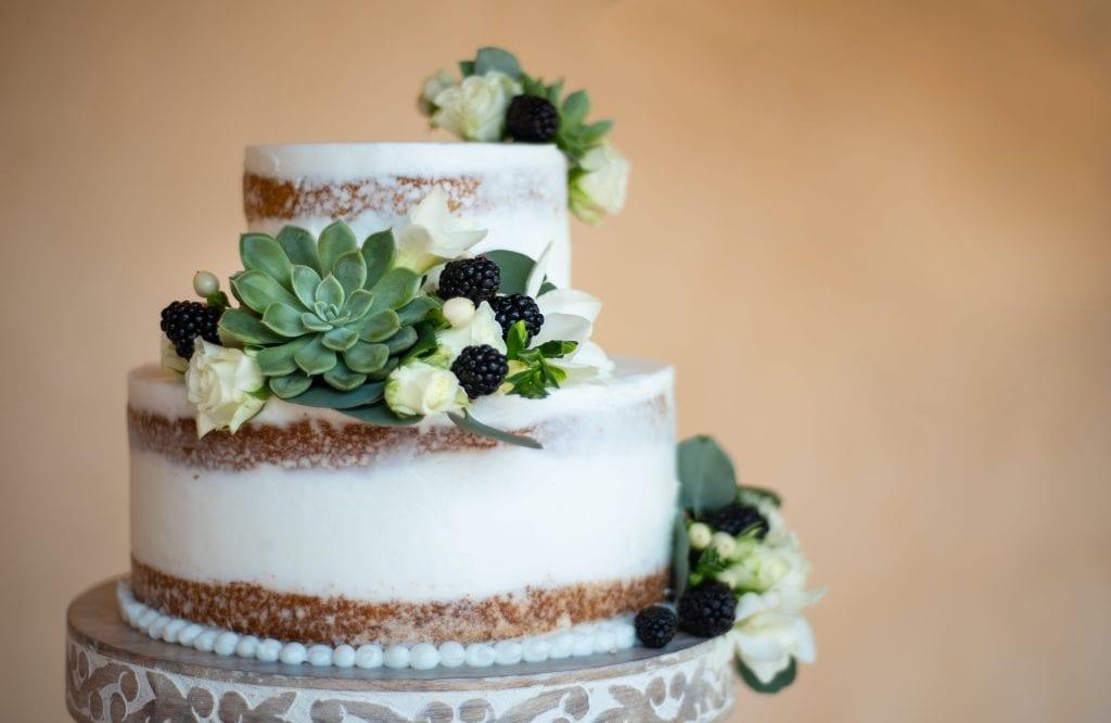 wedding cake wedding under £3000