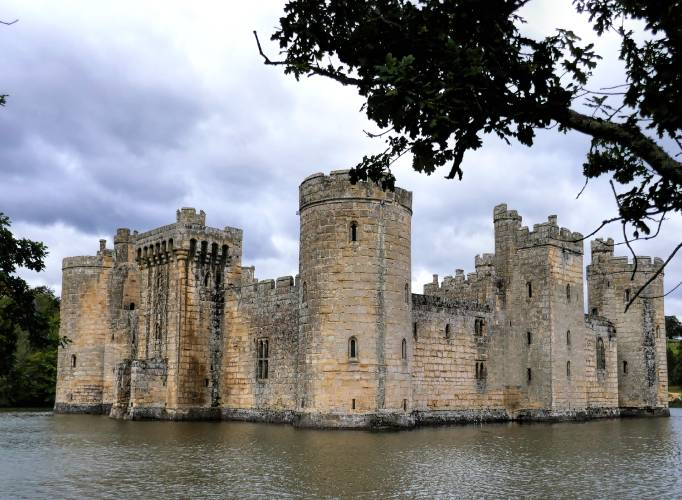 Romantic Places to Propose in the UK - Bodiam Castle