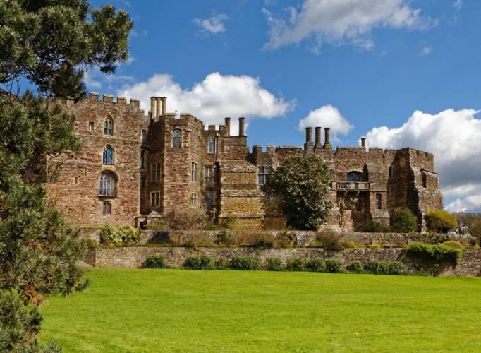 Berkeley Castle Wedding Venue Gloucestershire