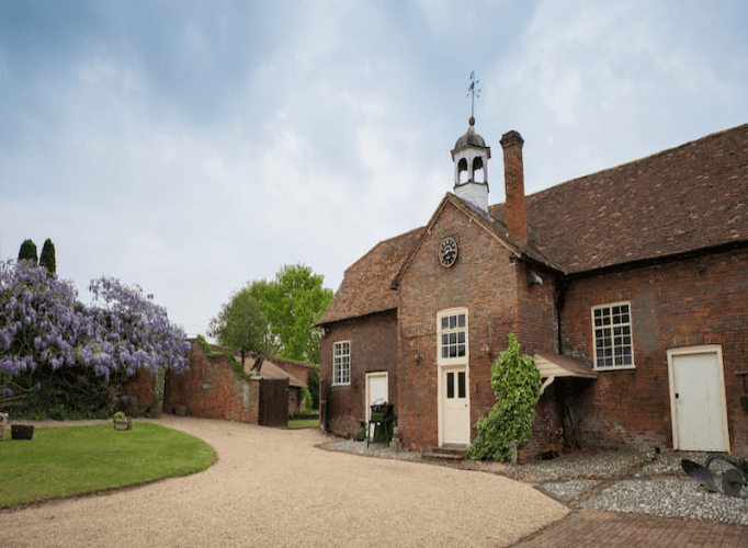 UK Countryside Wedding Venues For Your Big Day Background (20) 4