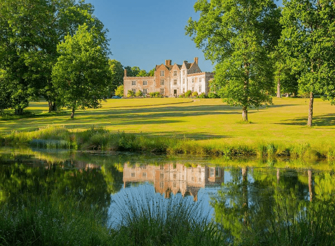 UK Countryside Wedding Venues For Your Big Day Background (45) 7
