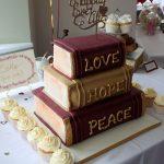 Heaven is a Cupcake book wedding cake2.jpg 8