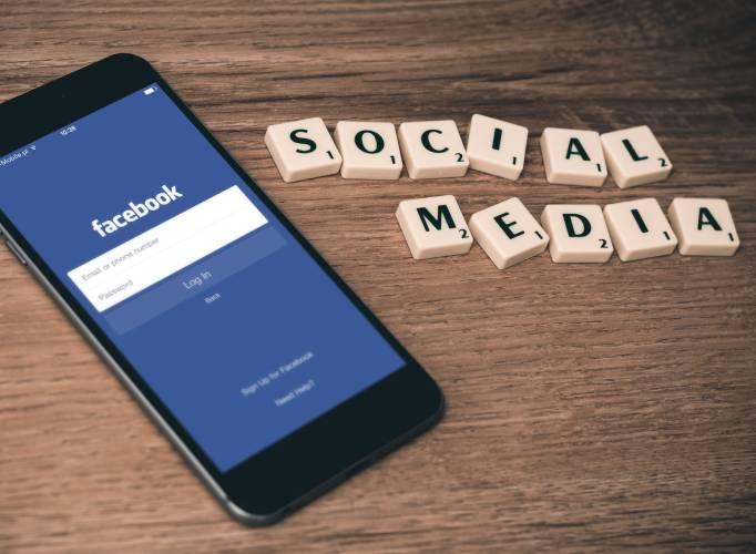 Social Media Posting 2021