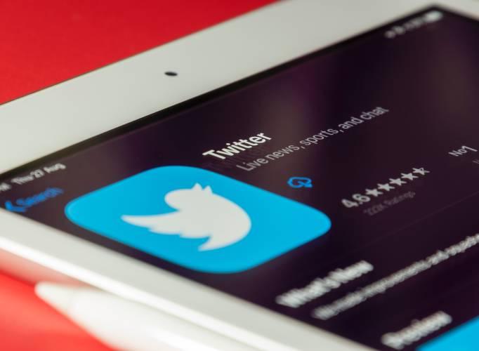 How Often Should You Post On Social Media In 2021? Twitter Wedding Hour Unsplash 1