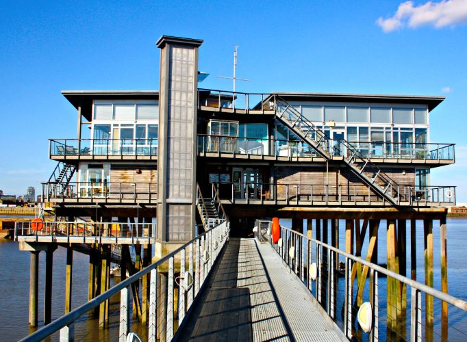 Showstopping Wedding Venues In London Greenwich Yacht Club 18