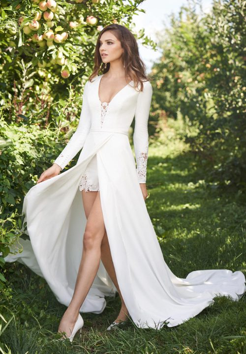 Stunning Short Wedding Dresses For Lillian West 32
