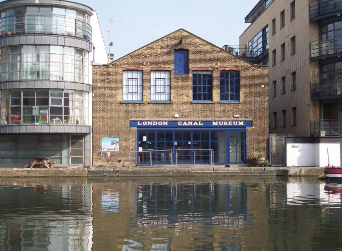 Showstopping Wedding Venues In London London Canal Museum 6