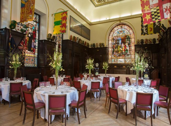 Showstopping Wedding Venues In London Stationer's Hall 9